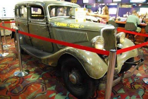 Форд V-8 Бонни и Клайда