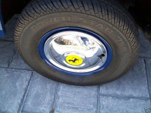 Крошечный грузовик Ferrari
