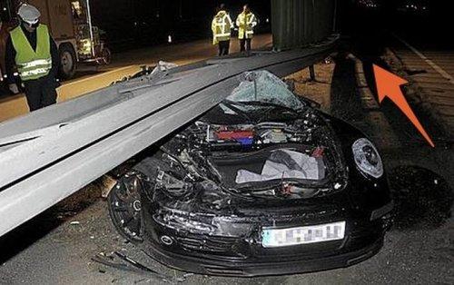 Авария Porsche