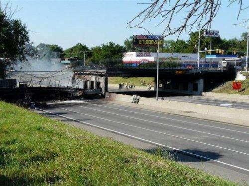 Обрушение моста в Детройте