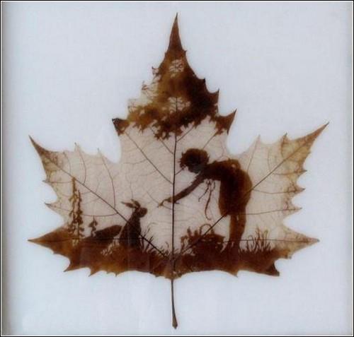 Резьба на листьях