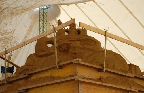Как делают скульптуру из песка