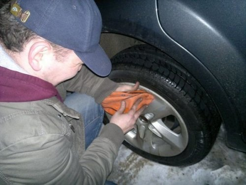 Как снять колеса